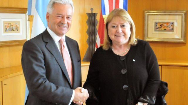 El vicecanciller británico Alan Duncan con la canciller argentina Susana Malcorra