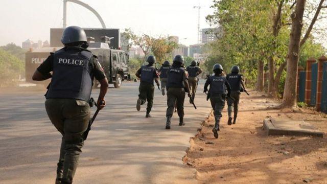 Nigeria Police dey chase pipo wey dey riot