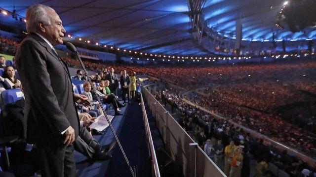 Se escucharon abucheos mientras el presidente interino de Brasil, Michel Temer, habló en la ceremonia de apertura.