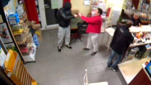 CCTV of foiled armed burglary
