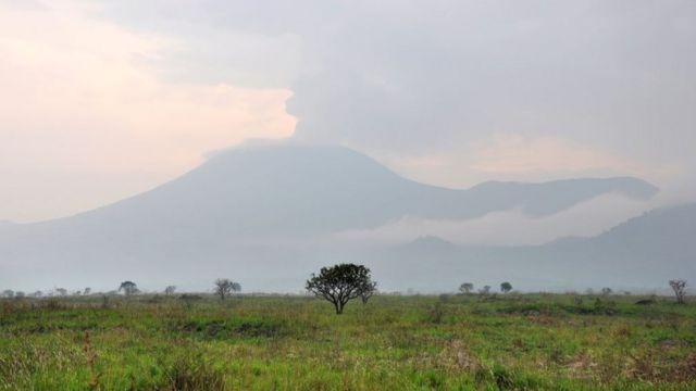 Vista de la erupción del volcán