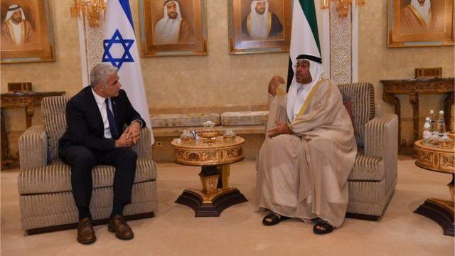 İsrail Dışişleri Bakanı Yair Lapid ve BAE Ekonomi Bakanı Ahmed Al Sayegh
