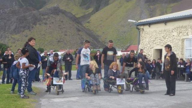 Wheelbarrow races day