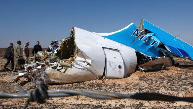 Destroços do avião da Metrojet que caiu no Egito no ano passado