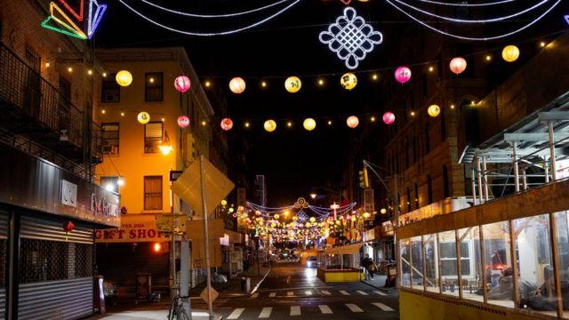2021年1月纽约唐人街,许多店铺在找寻方法让顾客回来(photo:BBC)