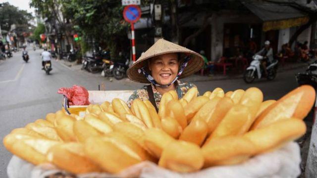 Bánh mỳ là món ăn đã quen thuộc với người Việt Nam từ thời Pháp thuộc