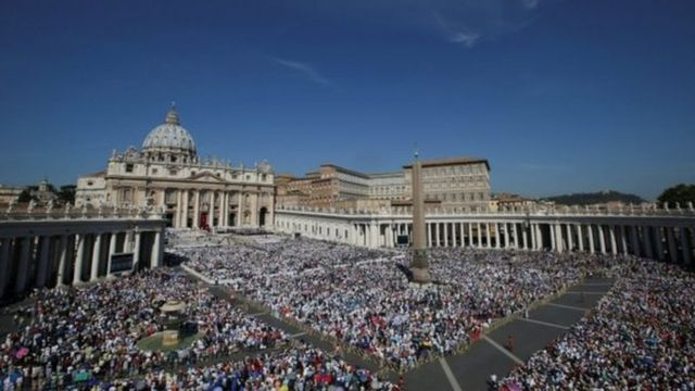 Asistentes a la ceremonia de canonización