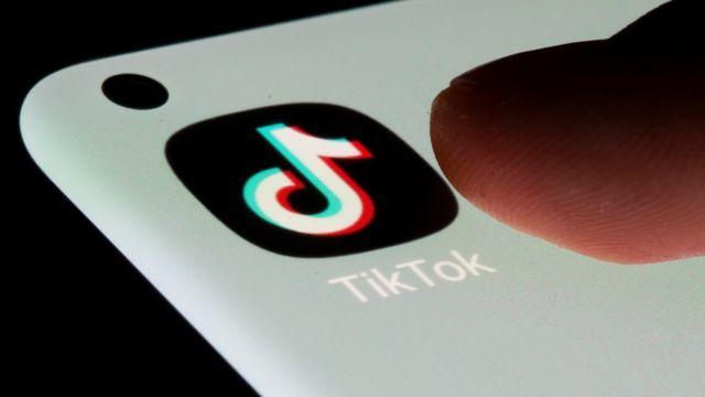 Ícone do aplicativo do TikTok na tela do celular