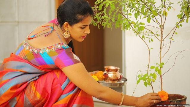 भारतीय महिला भाविक