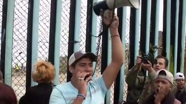 국경지대의 중미 이주자들, '우리는 범죄자가 아니다'