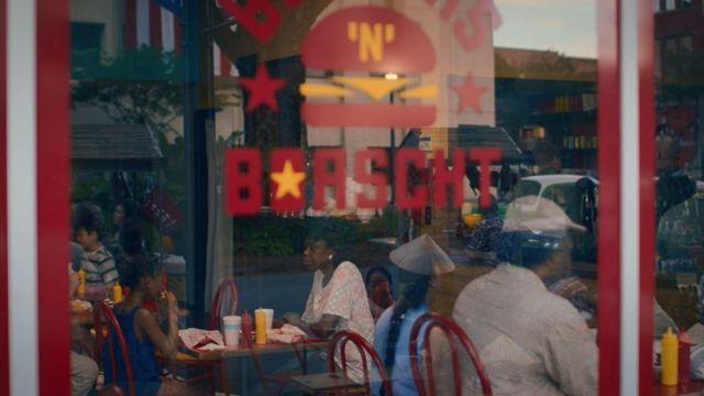 """Заклад швидкого харчування """"Burgers `n` Borscht"""" у серіалові """"Вартові"""""""