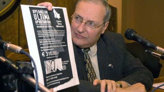 """Dr Zuroff at a press conference in Argentina promoting """"Operation Last Chance"""""""