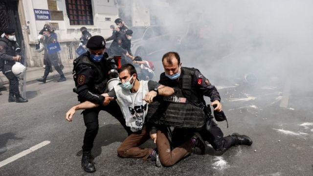 Демонстрации первого мая в Стамбуле