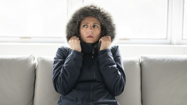 Mujer con frio