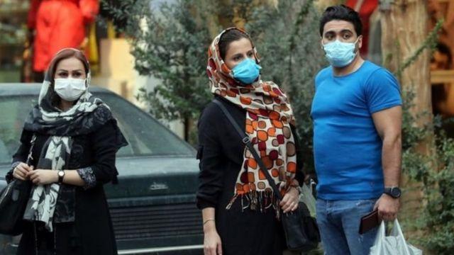 Penggunaan masker di ibu kota Tehran wajib sejak 7 Oktober.