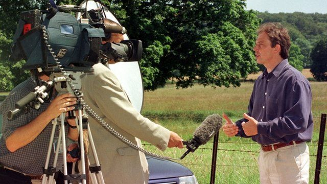 Tony Blair responds to IRA ceasefire in 1997