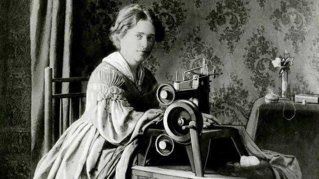 Реклама запатентованной Зингером швейной машинки 1899 года