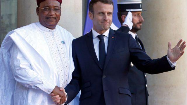 Le président français Emmanuel Macron et son homologue nigérien Mahamadou Issoufou