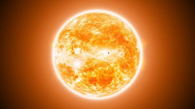 ดวงอาทิตย์แผ่รังสีความร้อนผ่านห้วงอวกาศที่เป็นสุญญากาศได้ โดยอาศัยอนุภาคโฟตอน