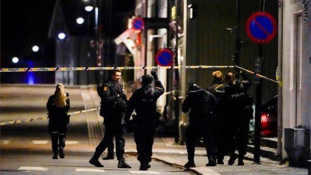 الشرطة طوقت اجزاء كبيرة من مدينة كونغسبيرغ جنوب غرب العاصمة أوسلو