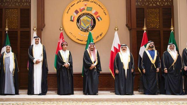 صورة تذكارية لقادة قمة مجلس التعاون الخليجي في البحرين