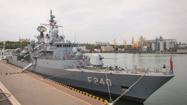 """Турецький фрегат """"Yavuz"""" прибув в Одеський порт, 9 липня 2018 р"""