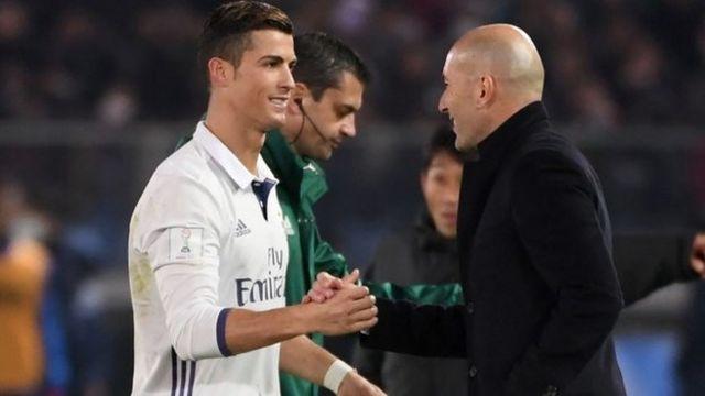 Christiano Ronaldo ari kumwe n'umumenyereza wiwe Zinedine Zidane