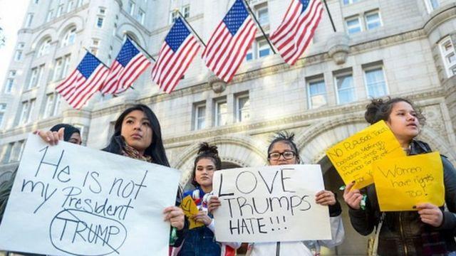 هتل آقای ترامپ در واشنگتن اغلب صحنه تجمعات مخالفان او بوده است