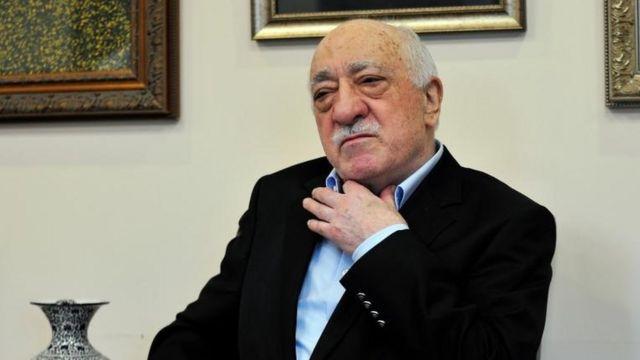 El clérigo Fetullah Gülen negó a la BBC que haya estado detrás de la organización de un golpe de estado en Turquía.