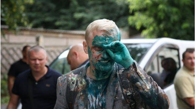 Активіст Віталій Шабунін, облитий зеленкою