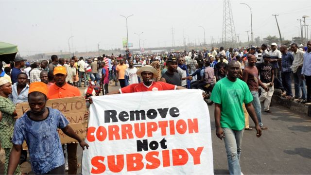 Protesters dey protest subsidy removal for street