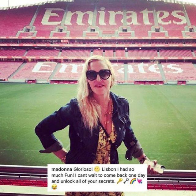 """""""Madonna n'est plus une touriste, elle est lisboète"""", assure le magazine hebdomadaire Visao."""