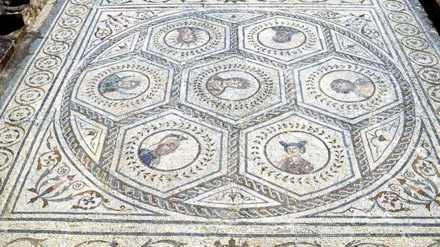 Les dieux des sept jours de la semaine, mosaïque de la Maison du Planétarium, 117-138, Italica, Santiponce, Andalousie, Espagne. Civilisation romaine, 2e siècle.