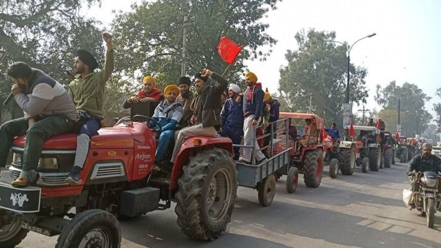 पंजाब के गुरदासपुर में ट्रैक्टर रैली की तैयारियां