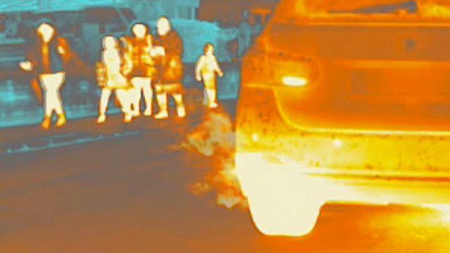Imagen térmica de un gas de escape