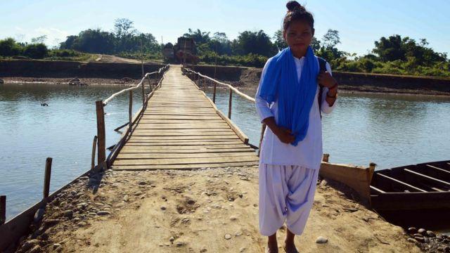 करिश्मा के स्कूल की छात्रा दीपिका बरुआ