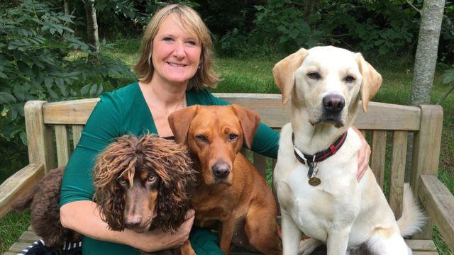 Claire Guest dan anjing-anjingnya.