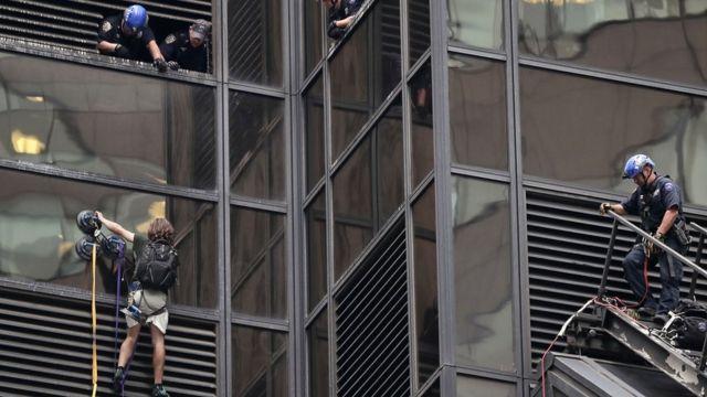 Escalador en la Torre Trump