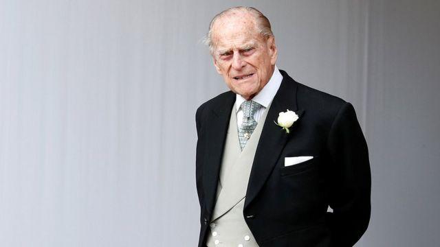 필립공은 은퇴 후에도 영국 엘리자베스 2세 여왕과 함께 가족 행사에 참석했다