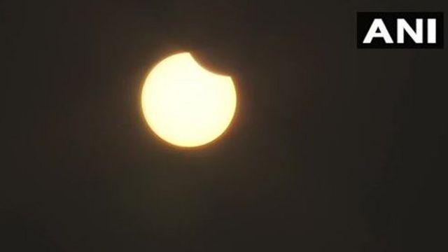 अहमदाबादमधून दिसणारं ग्रहण