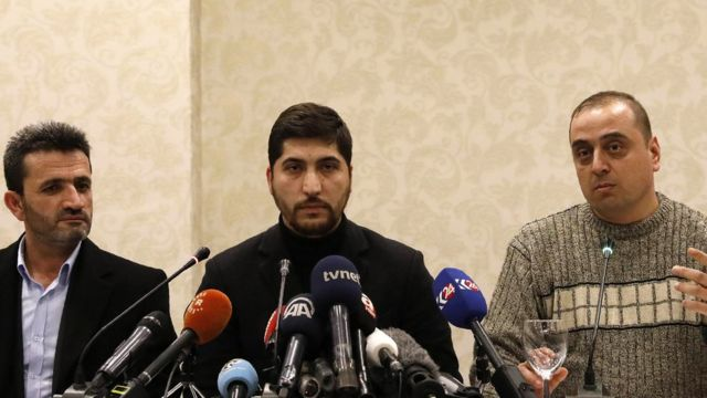 اسامة أبو زيد، المتحدث بإسم الجيش السوري الحر، في مؤتمر صحفي بأنقرة للإعلان عن التوصل لهدنة