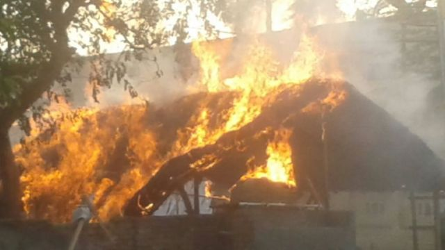 Several huts in the park caught fire due to blasts in cooking gas cylinders