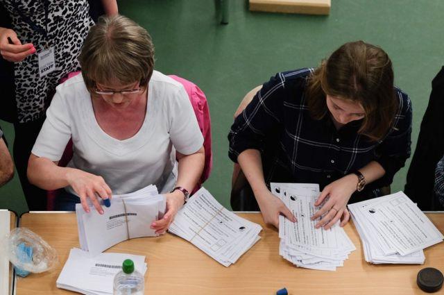 英国全体で合計382カ所の開票センターが設けられた。写真はサンダーランドの開票センター