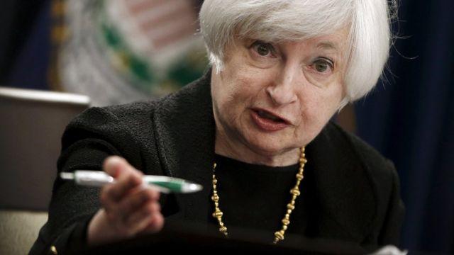 米FOMCは政策金利の現状維持を決めた(写真は記者会見するイエレンFRB議長)