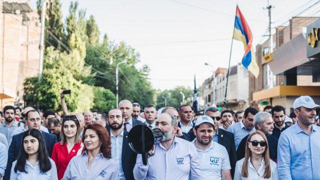Никол Пашинян на демонстрации 14 июня
