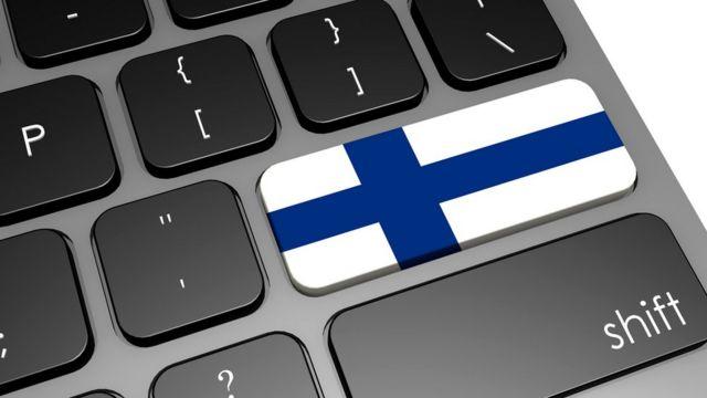 В 2010 году финское правительство сделало законным правом каждого гражданина доступ к широкополосному интернет-подключению