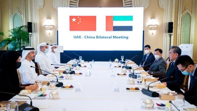BAE Dışişleri Bakanı Abdullah bin Zayed El Nahyan ile Çin Dışişleri Vang Yi, Abu Dabi (28 Mart 2021)