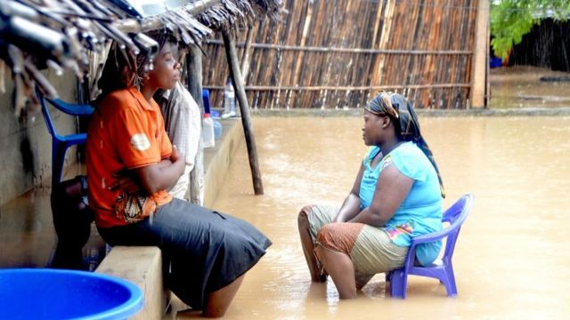 Mozambique cyclone: Humanitarian situation is 'life-threatening'