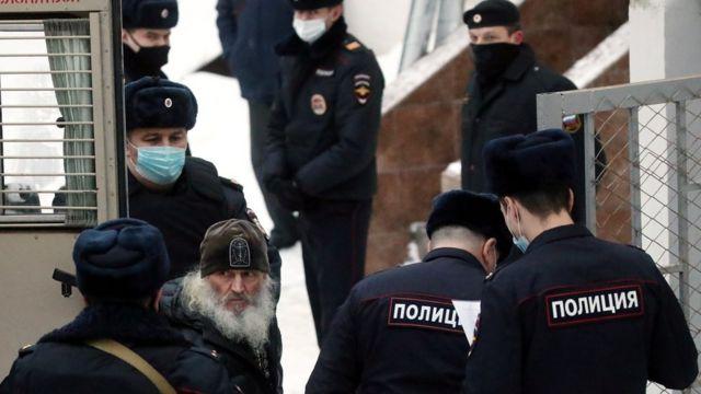 Бывшего схиигумена Уральского монастыря Сергия доставили в Басманный суд Москвы
