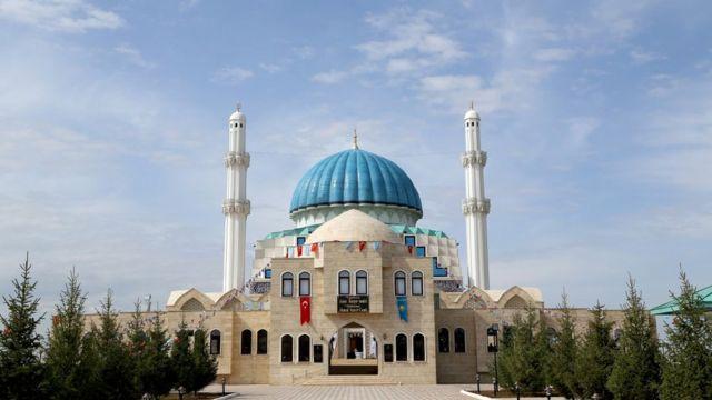 Kazakistan'da açılan Hoca Ahmet Yesevi Camii